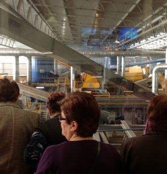 La planta de reciclaje de Algímia d'Alfara trata 85.000 toneladas de residuos al año