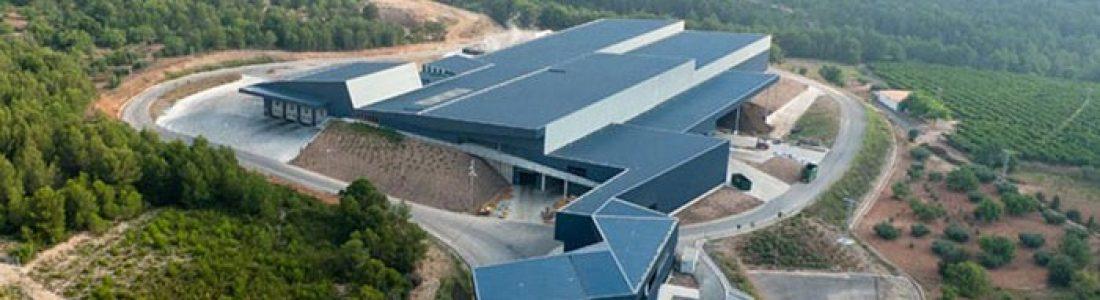 El Consorcio Palancia Belcaire trabaja en la extinción de un conato de incendio en una zona acotada del vertedero de Algímia