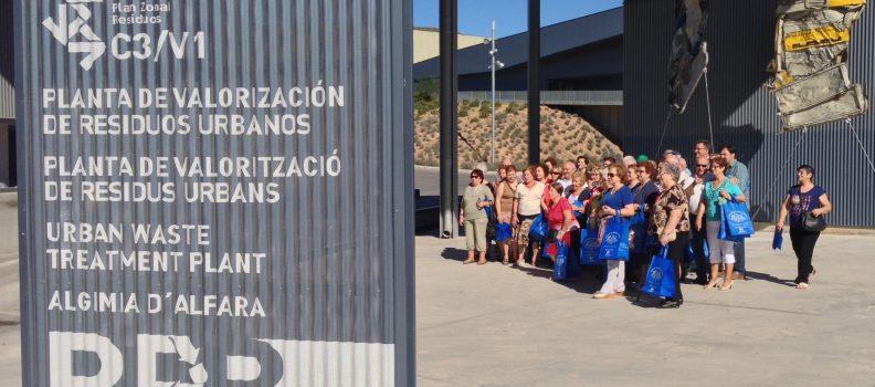 (Español) Cerca de 1.200 personas visitan la Planta de Tratamiento de Residuos d'Algímia d'Alfara durante 2019