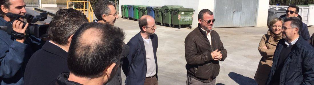 El director general de Cambio Climático y Calidad Ambiental, Joan Piquer, ha visitado esta mañana las instalaciones y la Planta de Transferencia de Sagunt